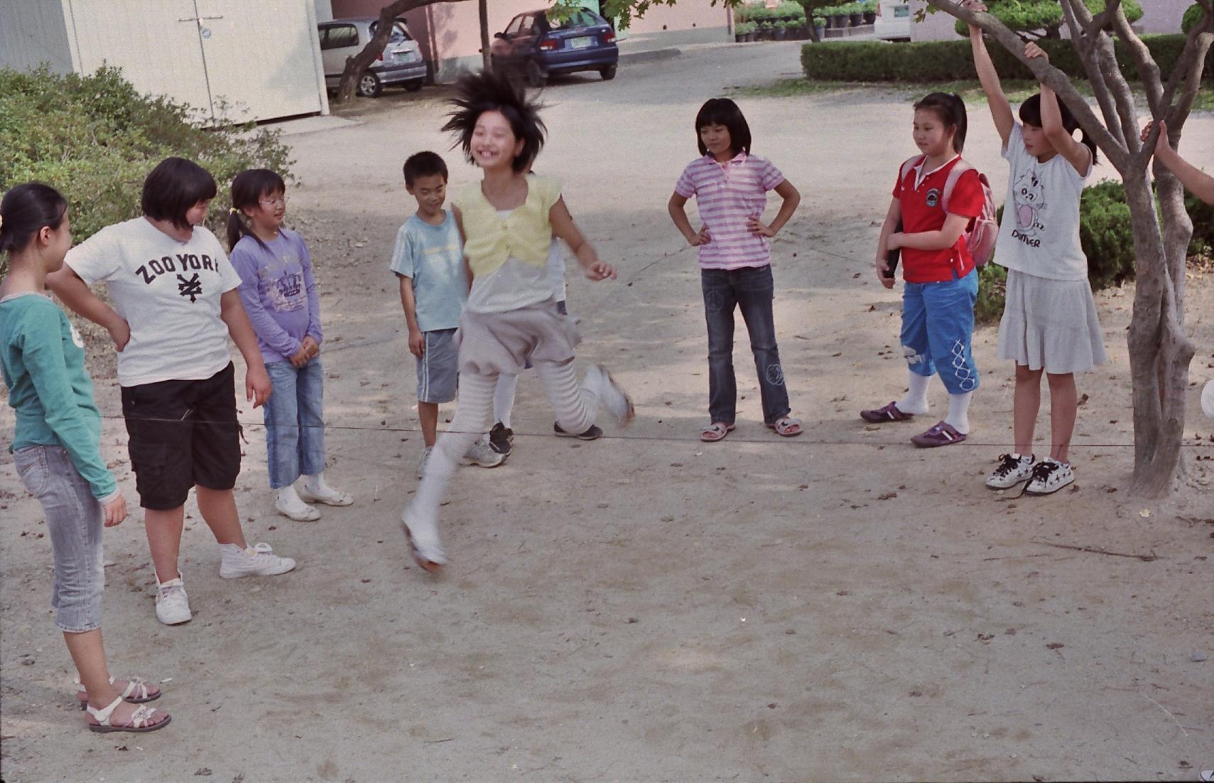 아이들-2(베싸메틱).jpg